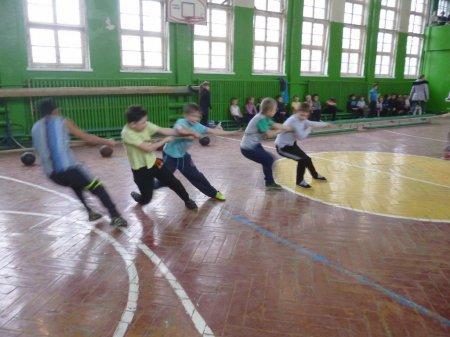 Военно-спортивная игра «Зарничка» 2015